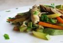 Пробајте пилешко со зеленчук во сос од вино