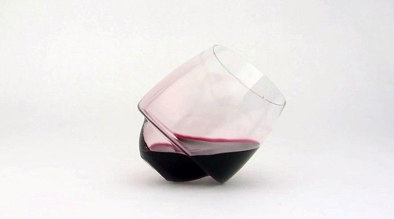 Saturn-Wine-Glasses