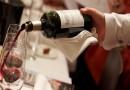 Видео: Послужувањето вино е вистинска наука