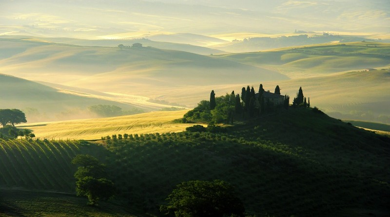 tuscany-wine-country-landscape