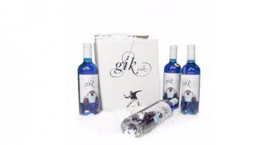1460718909_Blue-Wine1-528x656