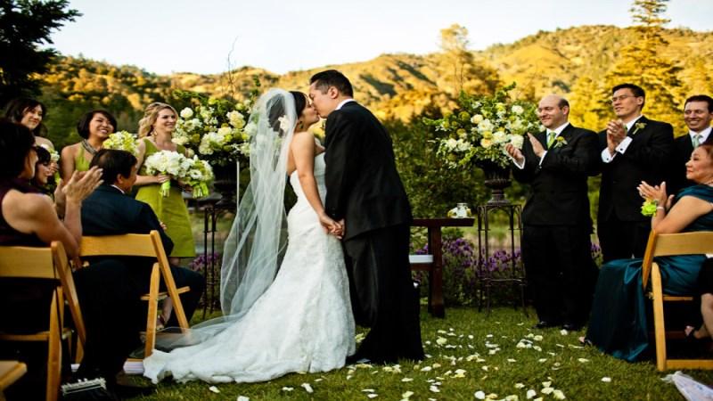 03_vineyard-wedding-photos-900x600