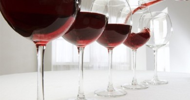 120112043129-red-wine-glasses-pouring-story-top