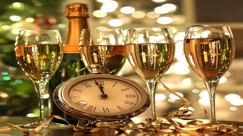 new-years-glassware