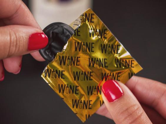 wine-condoms-packet1