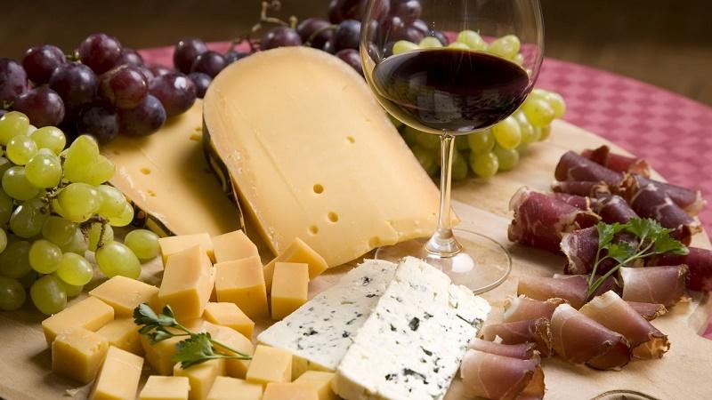 """Вечерва се отвора традиционалниот фестивал """"Вино и сирење 2019"""""""