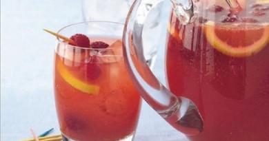 koktel-od-belo-vino-i-malini