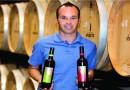 Кинезите даваат два милиони шишиња вино за Иниеста