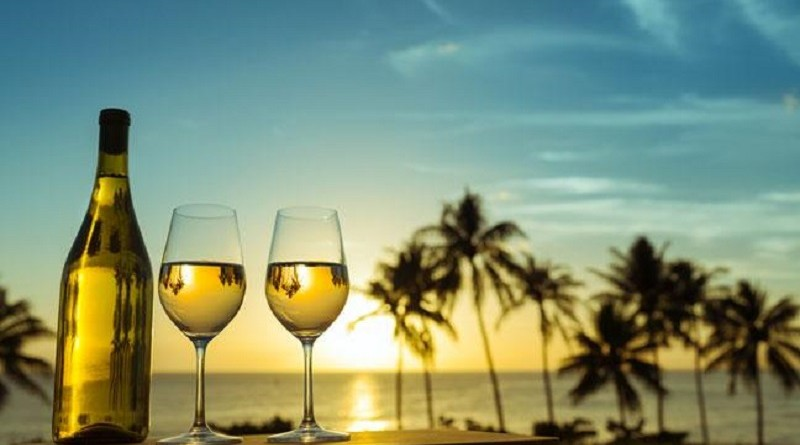 antigua-6-of-the-islands-best-bars-and-restaurants-and-when-to-visit-them-136416047191103901-170301135615