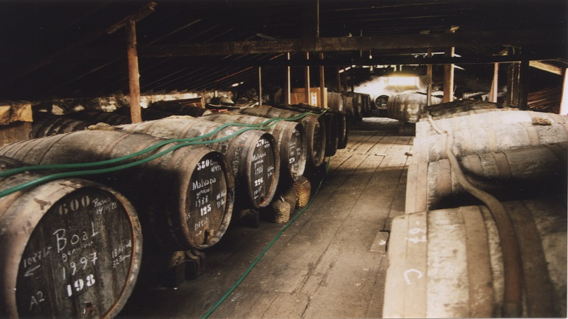 Regs-wine-blog-photo-aging-old-madeira-wines-in-hot-warehouse-attics