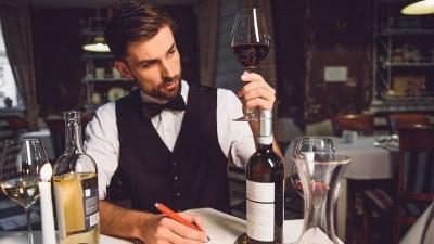 Kako-pravilno-da-se-pie-vino-spored-sovetite-na-vrvni-somelieri-kafepauza.mk_-768x432