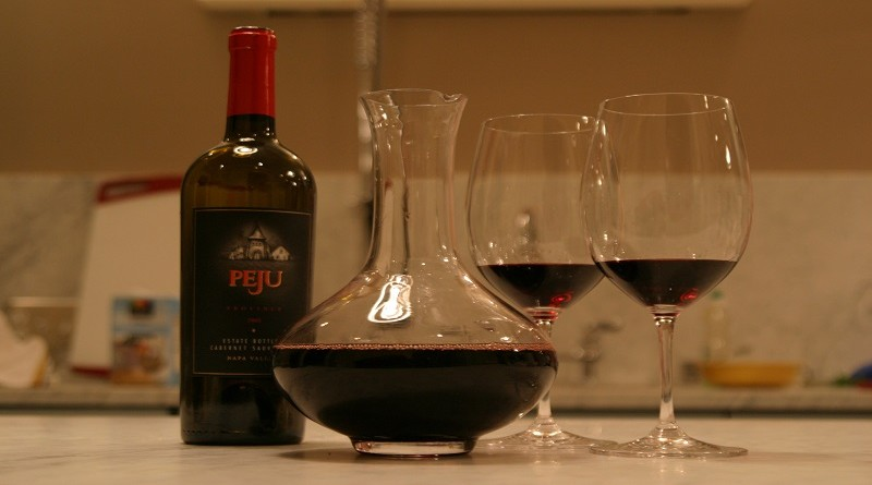 Decanter_and_wine
