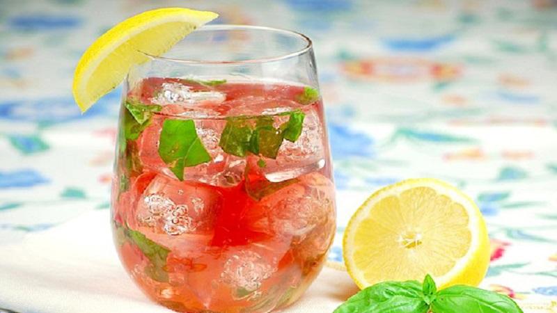 rose-wine-cocktails_sefvkm