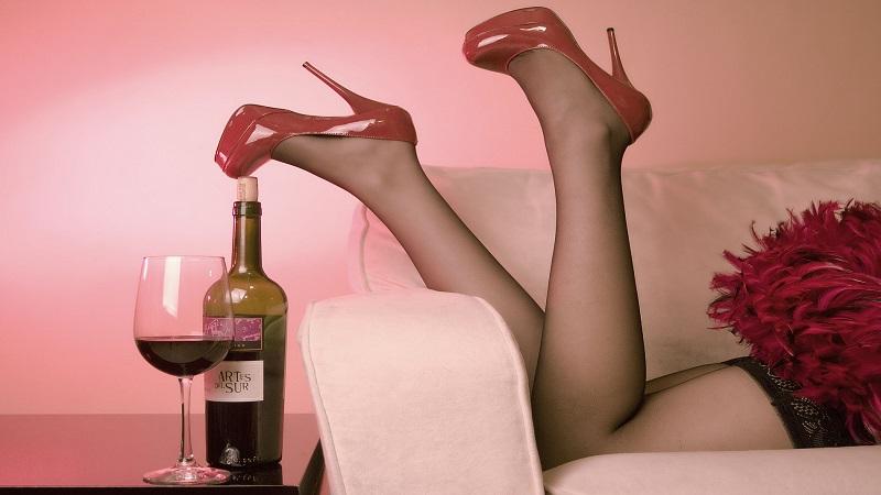 red____wine__by_emiliogtz-d4g2sr8